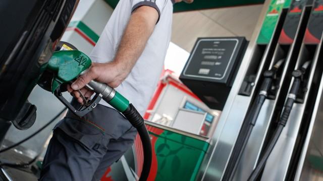 Ceny paliw pójdą w górę. Zapłacimy kilka groszy więcej za litr. W przyszłym roku będzie jeszcze drożej. Dlaczego paliwo będzie droższe?