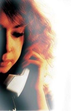 Telefon zaufania dla kobiet w ciąży i rodziny 085 732 22 22. Dyżurują tu m.in. lekarze, prawnicy, księża, psycholodzy.