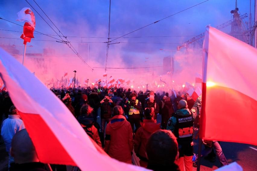 Marsz Niepodległości 2018 Warszawa: trasa, utrudnienia. O której godzinie rusza marsz 11 listopada? Sprawdź program obchodów.