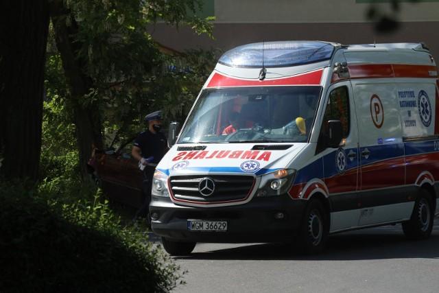 36-latek z lekkimi obrażeniami został przewieziony do szpitala.