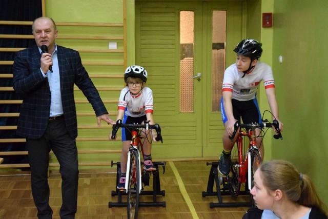""",,Dwa zamiast cztery: Opolskie Na Rowery"""" w szkole podstawowej nr 1 w Kluczborku."""