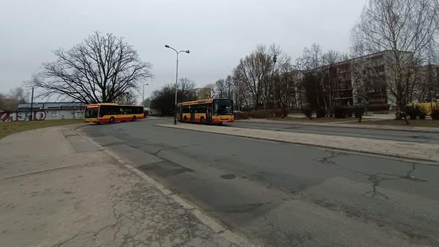 """Autobus 89 od soboty, 6 marca, nie będzie wjeżdżał """"kieszeniowo"""" na osiedle Radogoszcz Zachód, lecz pojedzie normalną trasą przez ul. Okulickiego."""