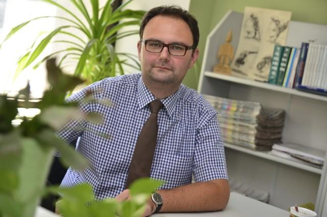Świadczenia pielęgnacyjne po zmianach - na pytania odpowiada Damian Napierała z Poznańskiego Centrum Świadczeń