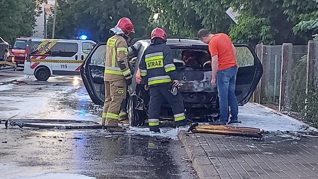 Bema. Pożar samochodu przy skrzyżowaniu z Pogodną w Białymstoku