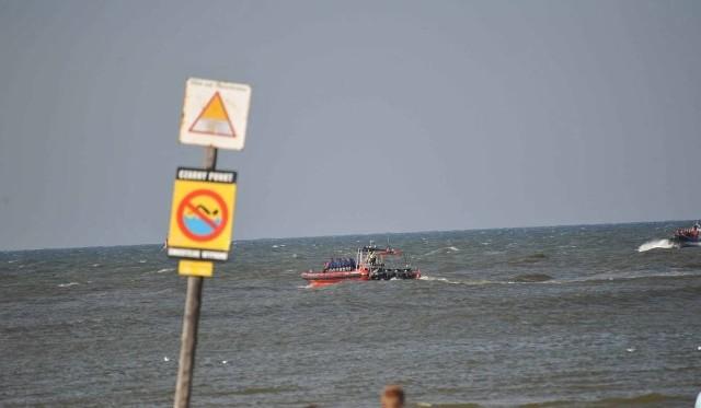 11-latka kąpała się w morzu na wysokości Hotelu Łeba. Obowiązywał wtedy zakaz kąpieli.