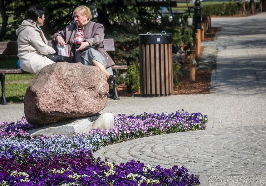 13.04.2018 gdansk.  skwer kobzdeja. wiosna w miescie....
