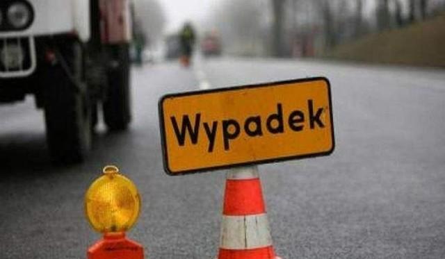 W czwartek, 26 września, przed godz. 9.00 doszło do wypadku na Drodze Krajowej nr 5 w Brzyskorzystewku (gmina Żnin). Samochód zjechał z drogi i wjechał do rowu.