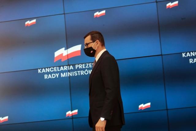 - Polska nie stała się nagle, przypadkiem gigantycznym eksporterem elektroniki użytkowej. To był fikcyjny eksport mafii vatowskich- mówił premier.