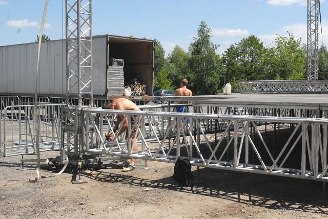 Przy Lisiej Górze trwa rozmontowywanie sceny przygotowywanej na festiwal