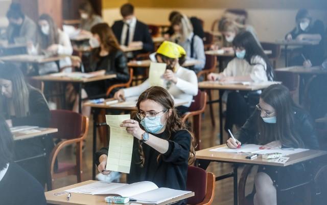 Egzamin dojrzałości w II Liceum Ogólnokształcącym w Rzeszowie.