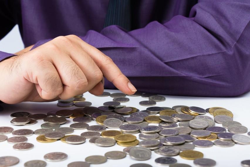 Najwięcej firm płaci pracownikom najniższą krajową na...