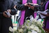 """Pogrzeb ofiar morderstwa w Borowcach. """"Małżeństwo od początku stworzone dla siebie"""""""