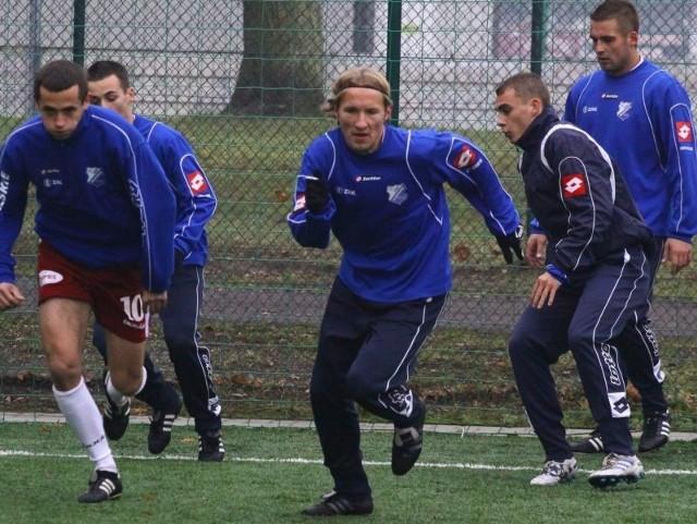 Rafał Wodniok (w środku) wrócił do zespołu MKS-u po kontuzji.