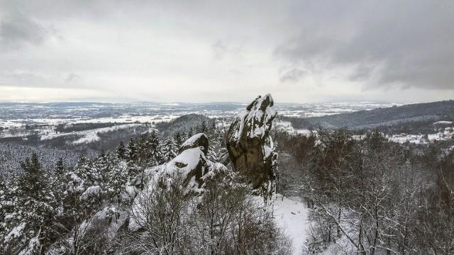 Prządki w śnieżnej szacie
