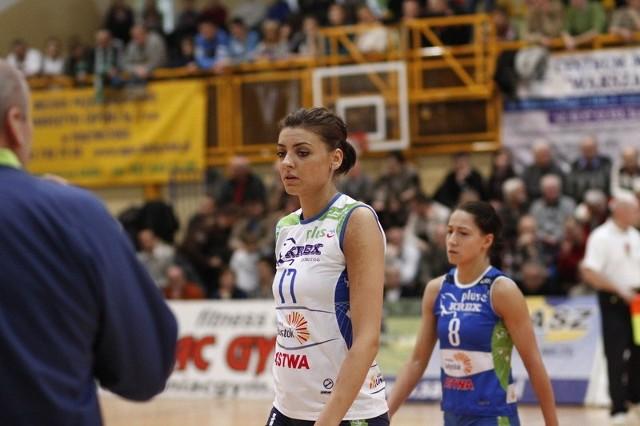 Daiana Muresan (na pierwszym planie) nie zagra już w AZS-ie Białystok