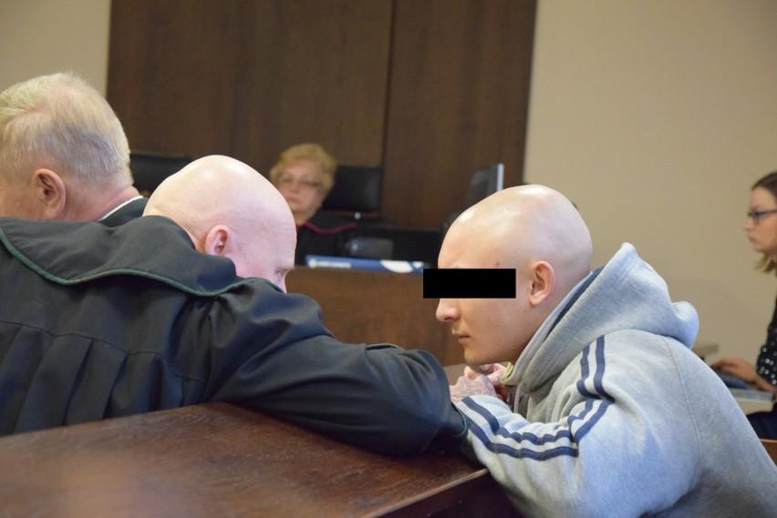 Oskarżeni o zabójstwo w Rębielicach Królewskich stanęli przed sądem