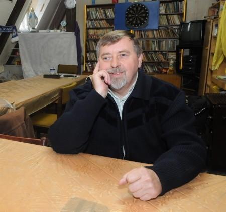 Strych na klub abstynencki Henryk Drubkowski przebudował własnoręcznie i od 16 lat sam go prowadzi