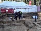 Ósme szczątki odnalezione na Westerplatte. To obrońca Wojskowej Składnicy Tranzytowej? Archeolodzy kontynuują prace