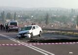 Symferopol: Wypadek. Samochód wpadł do wielkiej dziury, sześć osób nie żyje (wideo)