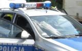 Citroen wjechał do rowu i uszkodził mostek wjazdowy. Kierowca miał trzy promile alkoholu w organizmie