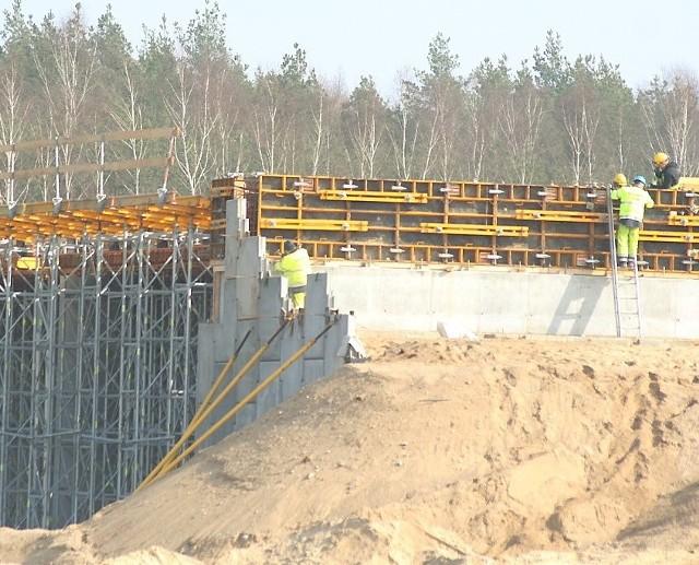 Budowy autostrady A-1 pilnuje około 180 ochroniarzy, zazwyczaj rencistów