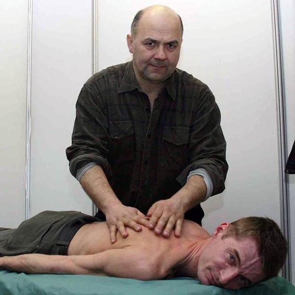 - Bezczynność grozi zwiotczeniem mięśni, zwyrodnieniami stawów kręgosłupa, rąk i nóg - podkreśla Tadeusz Czarny, technik masażysta z Przeworska.