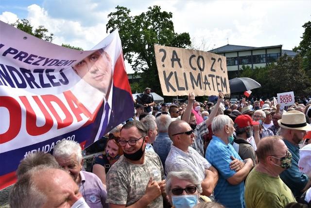 Młodzieżowy Strajk Klimatyczny na wiecu Andrzeja Dudy w Opolu
