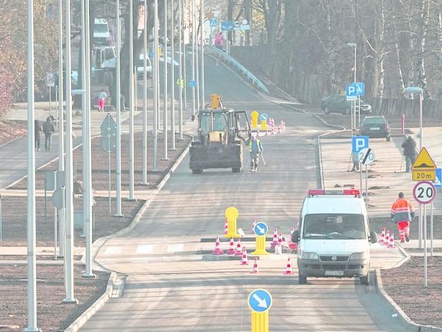 Ulica Rolna jest długo wyczekiwanym łącznikiem między ul. Gdańską a ulicą Piłsudskiego.  Wczoraj trwały tu jeszcze prace