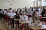 Wyniki matur w Łodzi. W 10 szkołach egzamin zdało 100 procent maturzystów