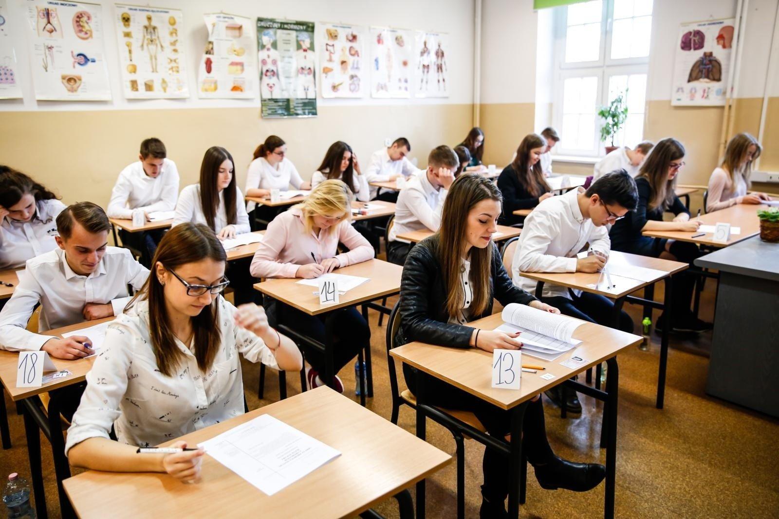 matura język polski 2021 tematy