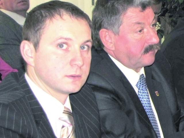 Rodzina Ołowniuków ma w radzie dwuosobową reprezentację. Bo oprócz syna Adama (z lewej) radnym jest także ojciec Krzysztof. Pracuje zresztą jako menedżer w OSiR-ze.