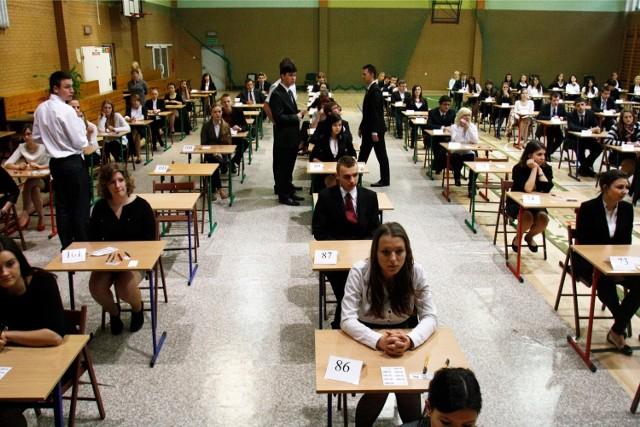 Tegoroczni maturzyści są ostatnim rocznikiem, który zdawać będzie egzaminy po staremu