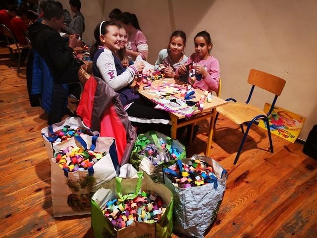 Szkoła Podstawowa w Nowym Kurowie pomaga Jasiowi Walickiemu. Każdy może włączyć się w akcję