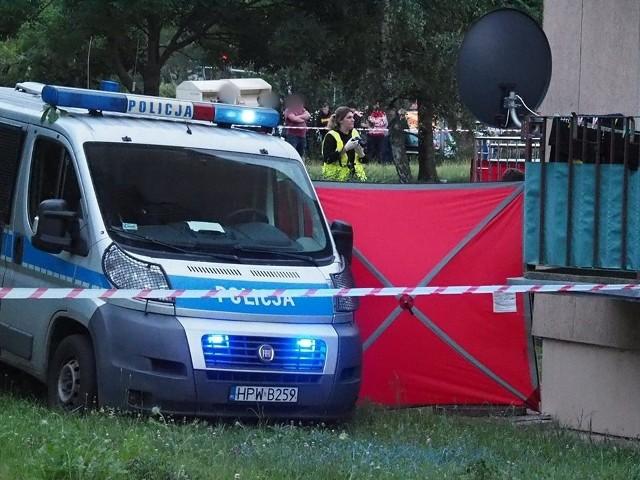 Tragedia w Koszalinie w wieżowcu. Nie żyje dwójka małych dzieci