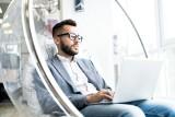 60 Sekund Biznesu: Firmy muszą się dostosować do nowych technologii, pracownicy także
