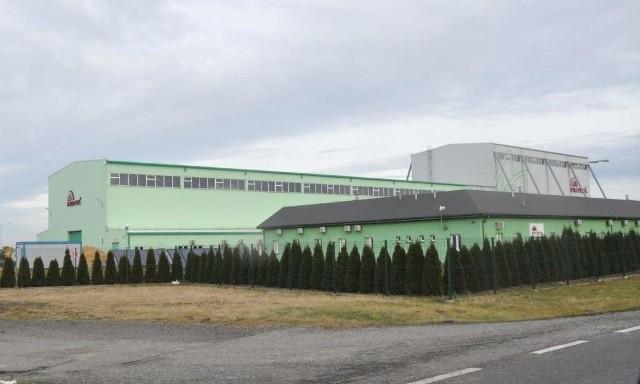Protea w Kluczborku dalej się rozbudowuje i przyjmuje do pracyFabrykę firmy Protea w Kluczborku postawiono w 2008 roku. Od tej pory firma dynamicznie się rozwija.