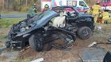 Poważny wypadek na trasie Milsko - Zabór. Ucierpiały dwie osoby. Z auta prawie nic nie zostało...