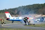 Wypadek na lotnisku w Toruniu [zdjęcia]
