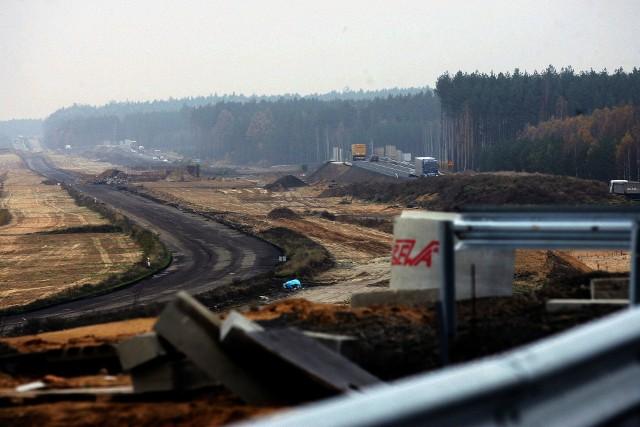 Śmieci zakopywano w trzech lokalizacjach budowy S3: na węzłach Lubin Północ i Kazimierzów oraz koło Biedrzychowej