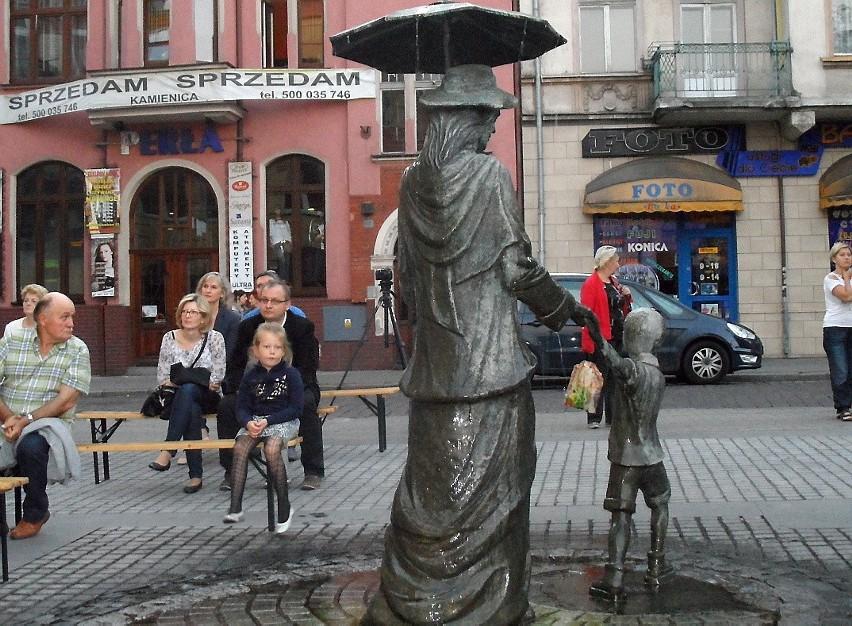 Nową rzeźbę polubili mieszkańcy Grudziądza. Latem często...