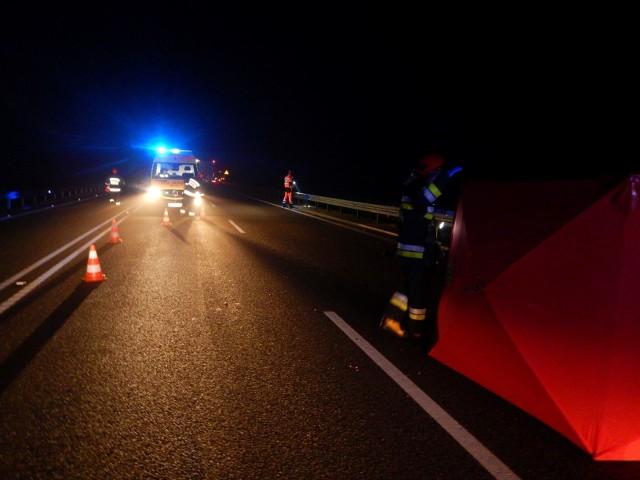 Śmiertelne potrącenie na DK 65. Komenda Powiatowa Policji w Gołdapi szuka świadków wypadku, w którym śmierć poniósł 18-letni mieszkaniec miasta.