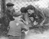 Zbliża się 74 rocznica likwidacji Litzmannstadt Ghetto. Jak wyglądało życie codziennie jego więźniów? [ZDJĘCIA]