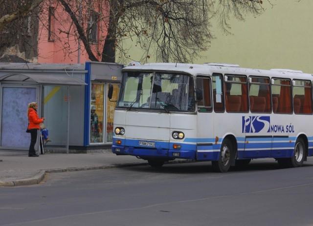 Zmiana przewoźnika w Nowej Soli nie powinna mieć wpływu na połączenia gminy z miastem, bo tu przewoźnikiem dalej pozostanie PKS Nowa Sól