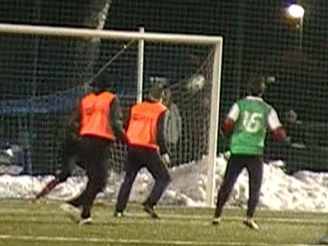 W meczu rozegranym na sztucznej nawierzchni przy ul. Zielonej w Słupsku Gryf pokonał Bałtyk Koszalin 3:0 (0:0).