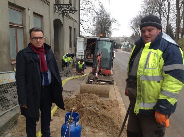 Trwają prace nad rozbudową gazociągu w Iwaniskach.