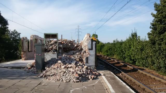 Dworzec na Paruszowcu w Rybniku remontują czy burzą?