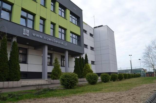 W Liceum Ogólnokształcącym im. Bartłomieja Nowodworskiego w Tucholi czekają na nowego dyrektora. Kto nim będzie?