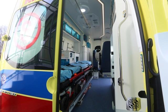 Pogotowie zabrało do szpitala podtrutą czadem mieszkankę Aleksandrowic