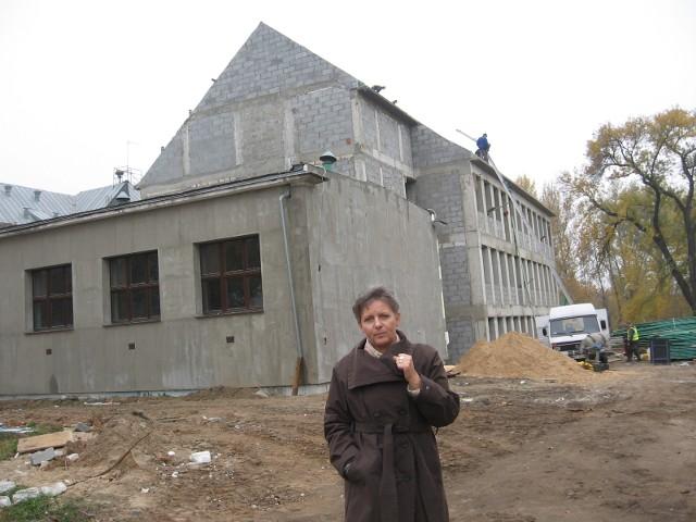 Budowa Zespołu Szkół Plastycznych w Radomiu– Z największą radością patrzymy na już wybudowane skrzydło – mówi Bożena Marczykowska, dyrektor Zespołu Szkół Plastycznych.
