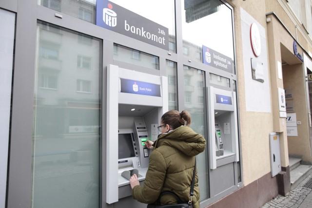 Nowe złośliwe oszustwo w internecie. Cyberprzestępcy podszywają się pod bank PKO BP